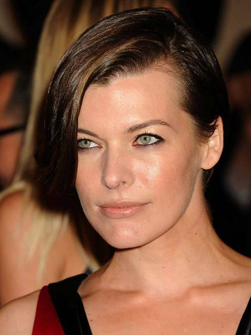 Milla-Jovovich-green-eyes