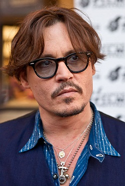 johnny-depp-profile-photo