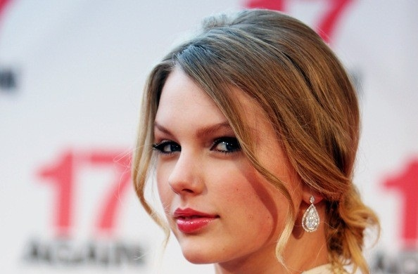 taylor-swift-cover-photo-kapak