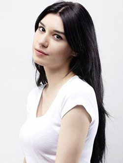 burcu-kiratli-profile-photo